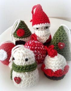 Acht verschillende kerstdecoraties haken